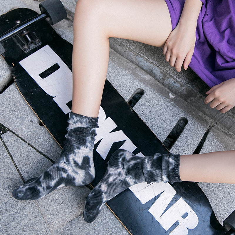 2019 Men Women Colorful Knee-high Sock Hip Hop High Quality Cotton Skate Socks Funny Couple Cycling Running Hiking Tie Dye Sox
