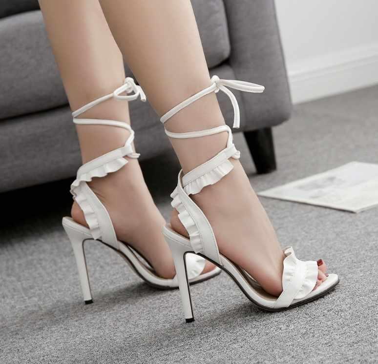 Seksi kadın pompaları gelin ayakkabıları kadın yüksek topuklu çiçek beyaz ayakkabı Lace Up Peep Toe bayan sandalet klasik pompalar 2020