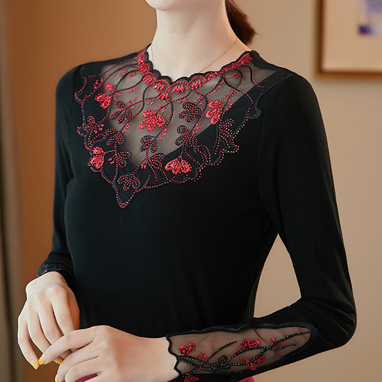 Women's shirt New 2019 Autumn long sleeve women blouse shirt Fashion Embroidery Mesh tops plus size hollow out lace tops 7