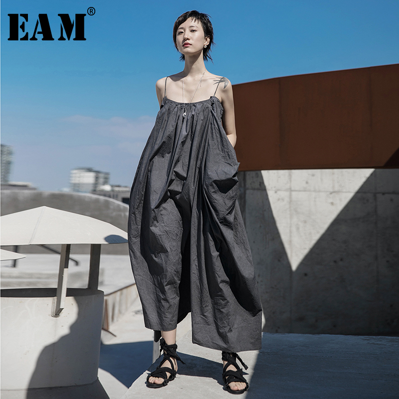 [EAM] Women Gray Brief Three-dimensional Long Spaghetti Strap Dress New Sleeveless Loose Fit Fashion Spring Summer 2020 1T064