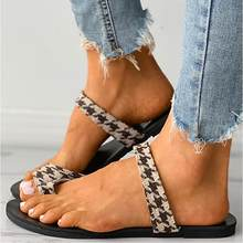 2021 Women Flat Slippers Summer Outdoor Beach Rome Sandals For Women Ladies Solid Color Rubber Flat Slides Casual Flip Flops