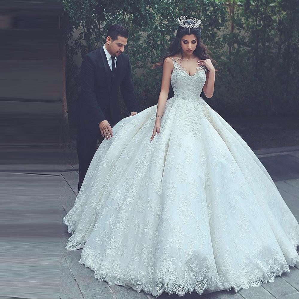 Dernière mariée musulmane dentelle robe de bal robes de mariée 2019 bretelles Spaghetti col en V à lacets dos robes de mariée grande taille