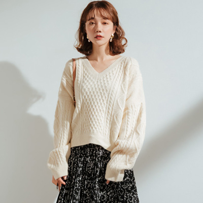 2020 WOMEN   New Autumn And Winter Loose Twist Plaid Short V-neck Tie Sweater Female Blouse Thick