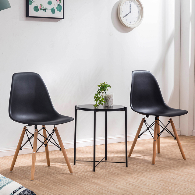 A set of four Nordic medieval retro style dining chairs, solid wood feet, beech wood, suitable for kitchen, dinings room 4