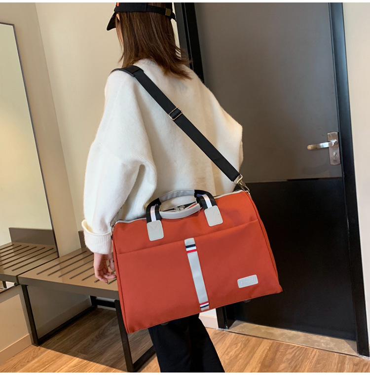 2019 New Leisure Large Capacity Handbag Outdoor Travel Bag Creative Contrast Travel Bag