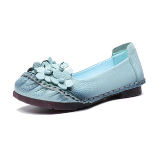 Image 3 - BEYARNE2019 Soft Genuine Leather Flat Shoes Women Flats with Flowers Ladies Shoes Women Designers Loafers Slip OnE865