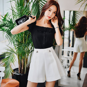 Dabuwawa Casual Pleated A-Line High Waist Shorts Women Chic Streetwear Solid Slim Fit Shorts Bottoms Ladies D18BSP003 dabuwawa single breasted solid pocket patched skirts women high waist office ladies casual slim fit a line skirt d18bsk005