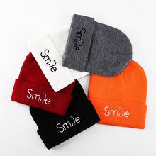 2020 Новая модная зимняя шапка Улыбающееся буквы расшитые футболки