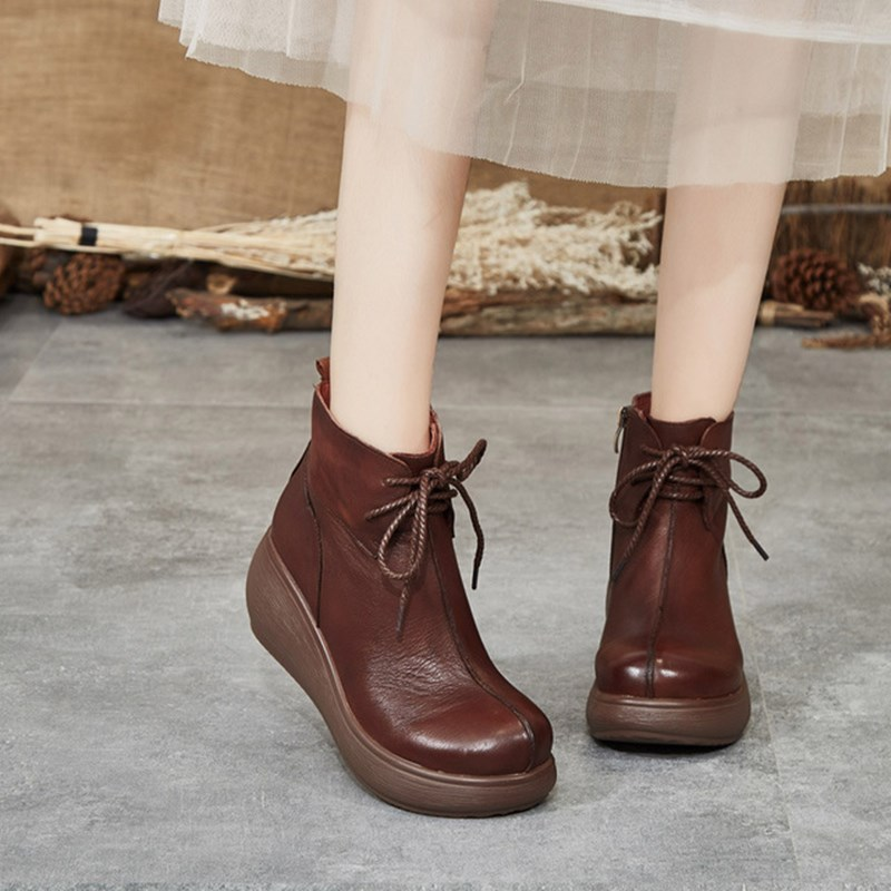 Leather women's boots 2019 autumn winter new comfortable soft bottom lace-up short boots women's thick non-slip Martin boots