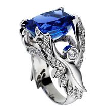 Huitan Luxury Cocktail Party Ring Creative Wings Pattern Design Vintage Deep Blue Cubic Zircon Stone Prong Setting Female