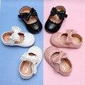 Кожаные туфли с кружевным бантом для маленьких девочек; Белые свадебные и вечерние туфли для маленьких девочек; Новая обувь принцессы
