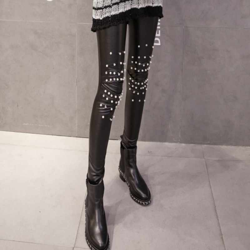 Winter Nieuwe Collectie Koreaanse Stijl Slim Fit Vrouwen Pu Broek Vrouwelijke Elastische Broek Zwarte Fleece Voering Geborduurde Flares Plus Size