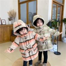 Новая шерстяная куртка для маленьких девочек коллекция года, зимняя модная длинная клетчатая верхняя одежда с капюшоном для детей от 1 до 7 лет, корейские Детские пальто Детская одежда для девочек