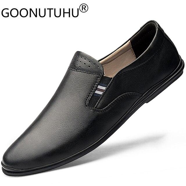 2020 أحذية رجالي عادية حقيقية أحذية جلدية بدون كعب الذكور الكلاسيكية أبيض أسود الانزلاق على حذاء رجل الشقق أحذية قيادة للرجال حجم 37 46