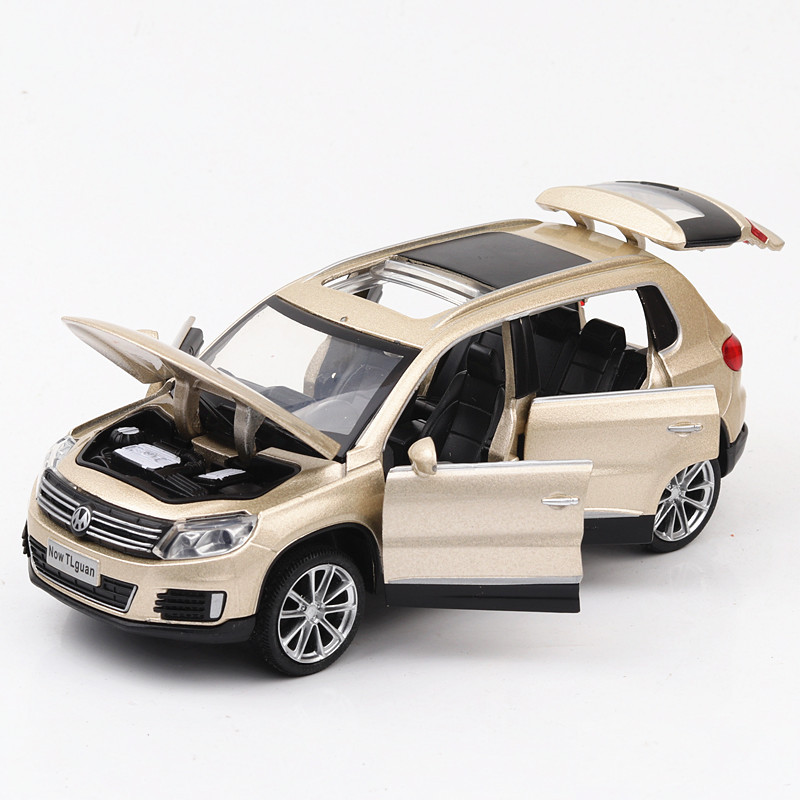 KIDAMI 1:32 Tiguan Diecast Car Model Toy Sound And Light Pull Back Alloy Diecast SUV Model Vehicle For Children Toys Car Gift