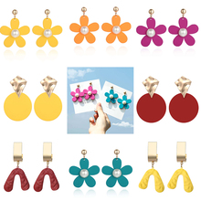 Korean New Flower Earrings Womens Geometric Round Fashion Sweet Pendant Jewelry Wholesale