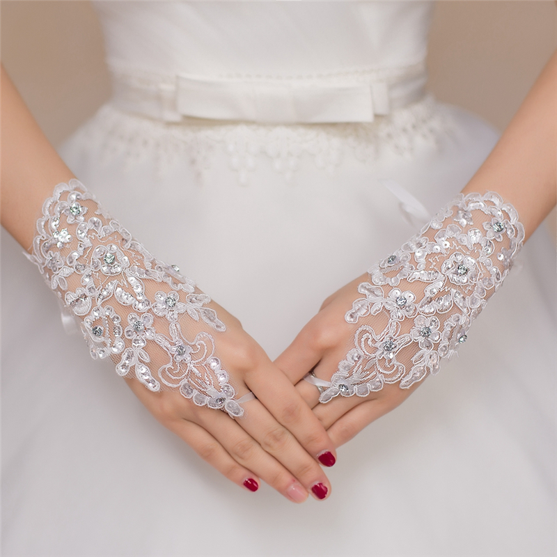 Sequined Bridal Gloves 2016 Lace Wedding Glove White Red Wrist Fingerless Cheap Bridal Accessories For Prom Party Wedding Gloves