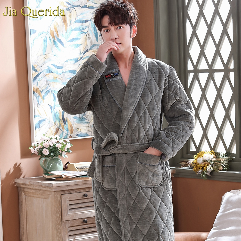 Bathrobe Men Winter Thick 3 Layer Padded Velvet Kimono Bath Robes Long Sleeve Grey Embossing Keep Warm Luxury Men Housecoat New