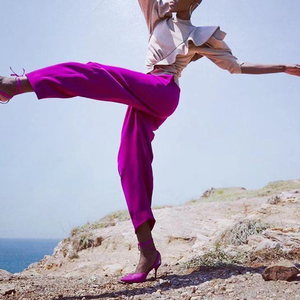 Image 2 - TWOTWINSTYLE 캐주얼 패치 워크 프릴 블라우스 여성 스탠드 칼라 퍼프 반소매 튜닉 셔링 셔츠 여성 패션 2020 신규