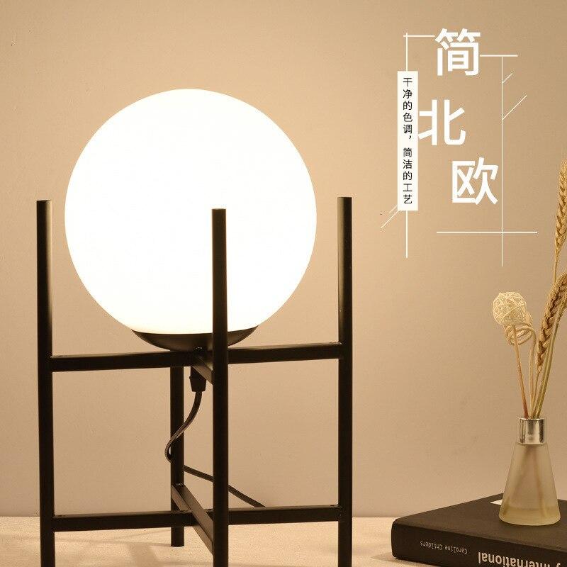 Nordic palla di vetro lampada da tavolo del salotto tavolo da tè scrivania camera da letto comodino lampada da tavolo decorativa palla
