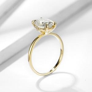 Image 4 - Kuololitรูปไข่8X10 Moissaniteแหวนผู้หญิงแหวนทองคำขาว10K Dสีฟ้าสีเขียวSolitaireหมั้นเครื่องประดับFine 585