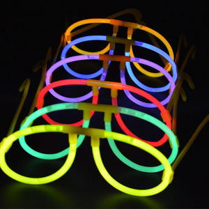 Image 2 - Светящиеся палочки для очков, набор из 50 светящихся палочек из пластика, для вечеринок, концертов, Рождества