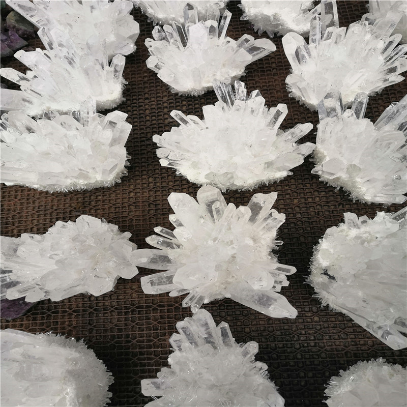 Cristal branco natural cluster esqueleto ponto de
