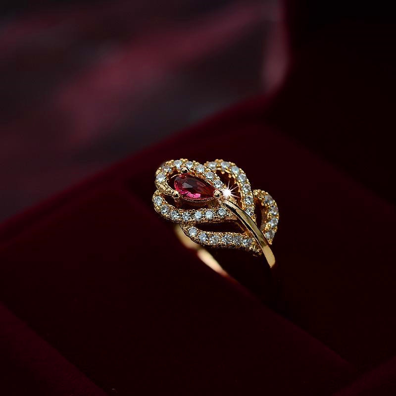 Luxury Female Crystal Rose Red Leaf Ring Rose Gold Color Wedding Bands Jewelry Promise Love Engagement Rings For Women