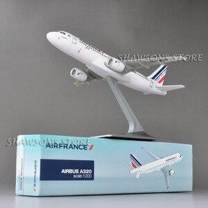 Image 4 - 1:200 בקנה מידה מטוסי דגם צעצוע אוויר אוטובוס A320 אוויר צרפת מטוס מטוס העתק מיניאטורי אוסף
