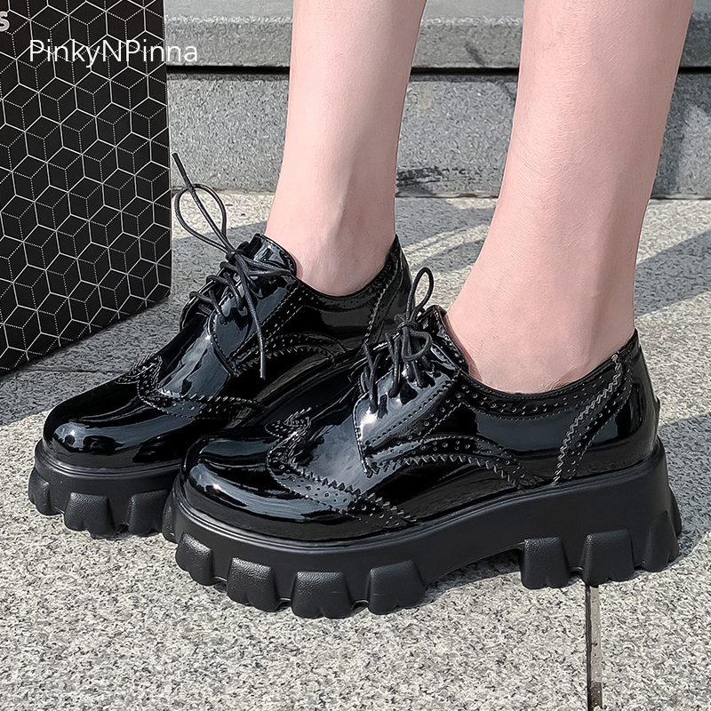 new patent leather platform thick bottom fashion brogues female cross tied hollow short plush mesh large size casual shoes women