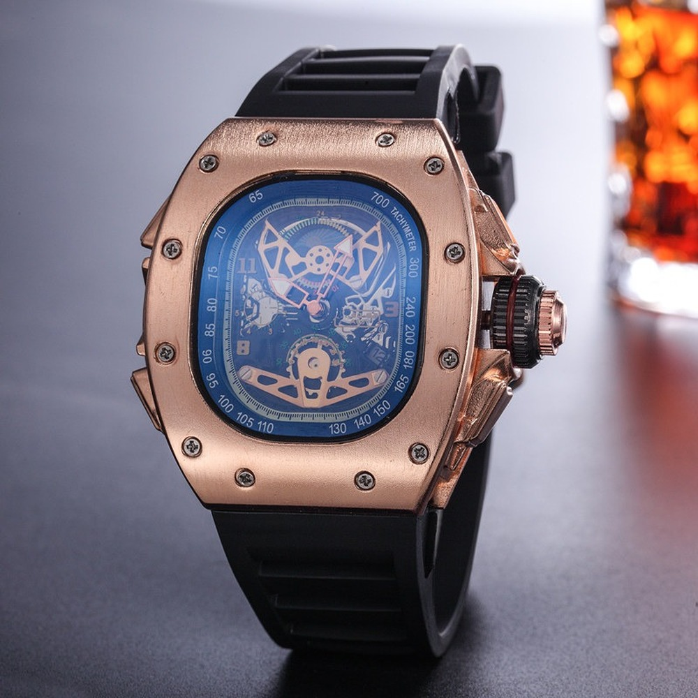 Luxury Brand Quartz Watch 2019 Sport Vintage Men Wristwatch Waterproof Watch Unique Personality High Quality Watch Famous Brand