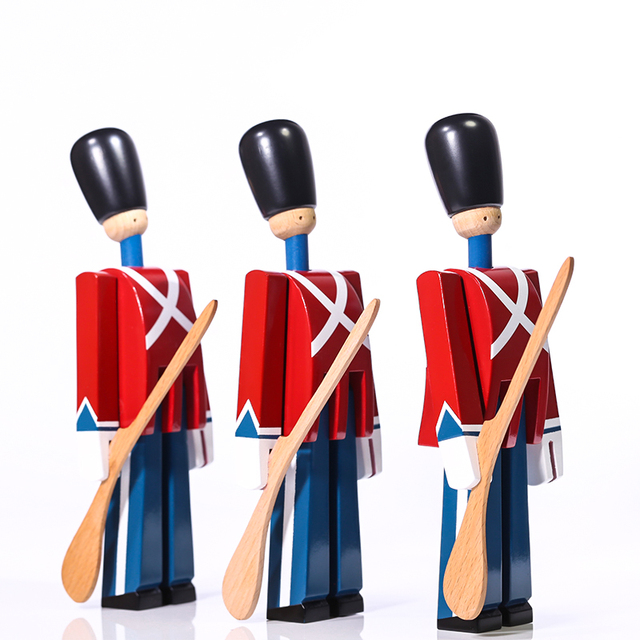 Nordic Danish Soldier Wooden Miniature Figurines Decoration Creative Home Decor Children's Model Puppet Handmade Solid Wood 3