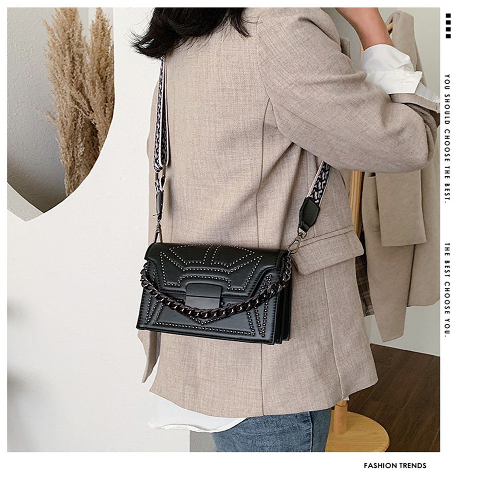 Soild Color Ladies Creative PU Single Shoulder Diagonal Bag Single Vertical Small Square Bag Suitable Leisure With chain Bag image