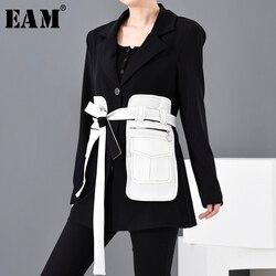 [EAM] Loose Fit Black Contrast Color Big Pocket Bandage  Jacket New Lapel Long Sleeve Women Coat Fashion  Spring 2020 1M50001