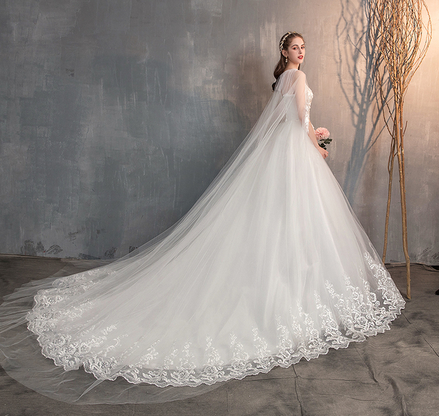 2021 Chinese Wedding Dress With Long Cap Lace Wedding Gown With Long Train Embroidery Princess Plus Szie Bridal Dress 4