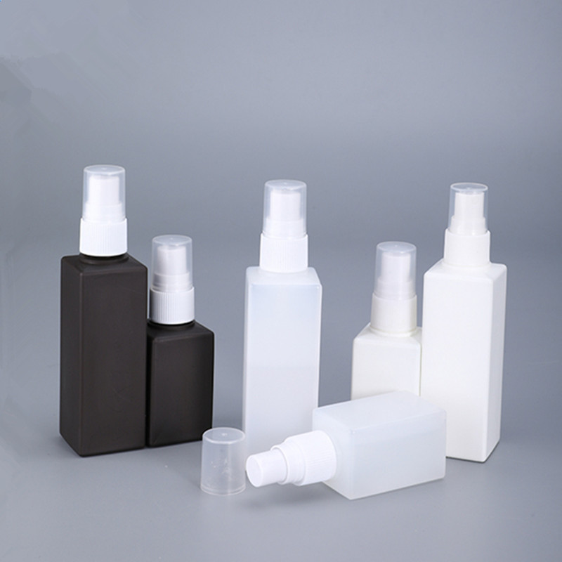 High Qualitly Square Fine Mist Spray Bottle 50ML 100ML PE Plastic Cosmetic Containers Empty Travel Bottles 1PCS