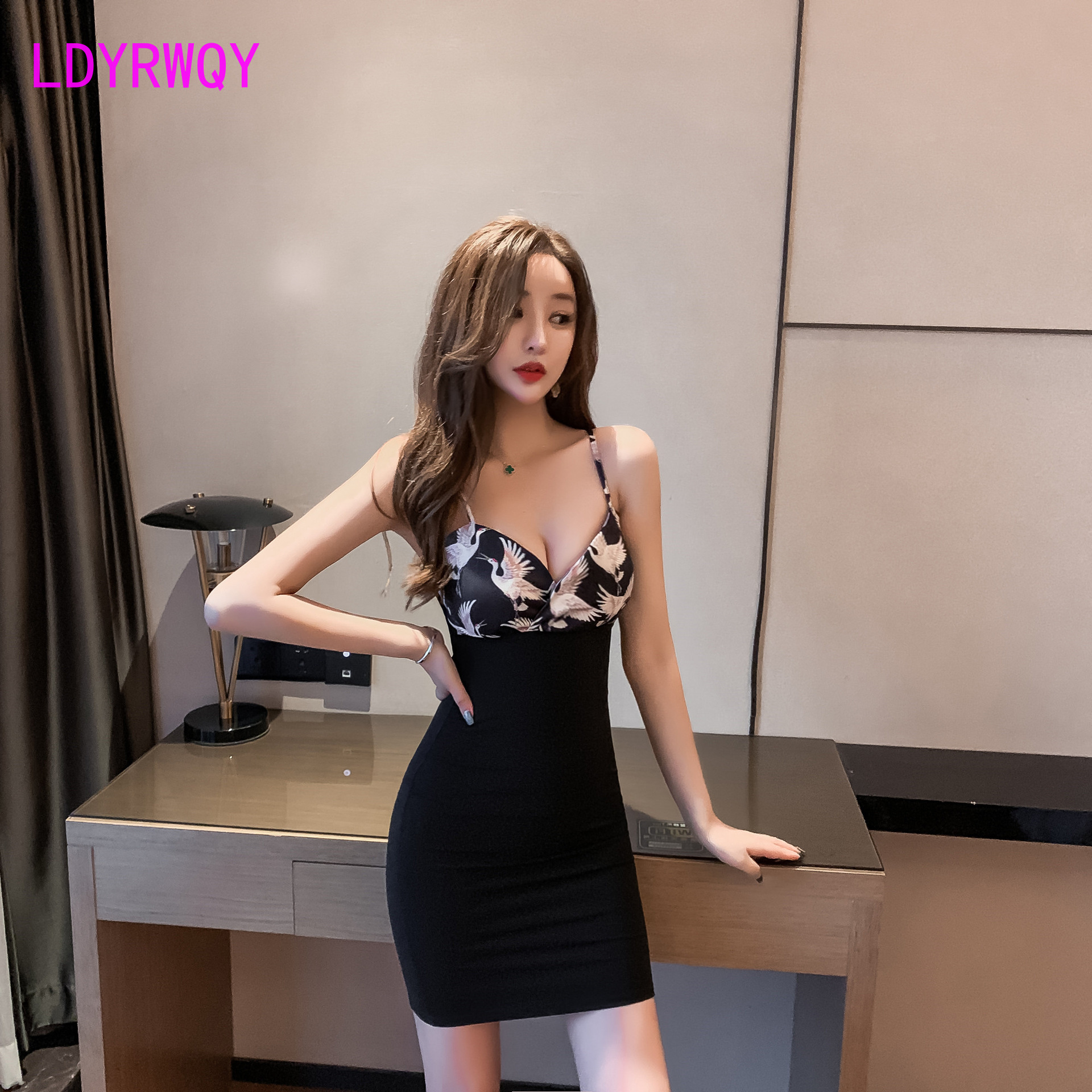 2019 Korean version of the color V neck print stitching package hip sexy strap dress Zippers Knee Length in Dresses from Women 39 s Clothing