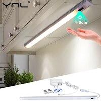Luces LED para debajo de armarios de cocina, luz de noche de armario de interior y dormitorio, lámpara inteligente con Sensor de movimiento, CC de 12V, 30/40/50cm