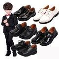 Детская черная танцевальная обувь из лакированной кожи с цветами для мальчиков  вечерние туфли для подростков  Свадебная обувь для мальчик...