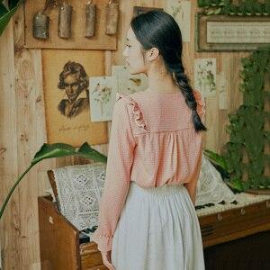 Image 2 - INMAN 2020 Frühling Neue Ankunft Literarischen Retro Jugendliche Stil V Kragen Einreiher Blume Patchwork Lose Stil Frauen Bluse