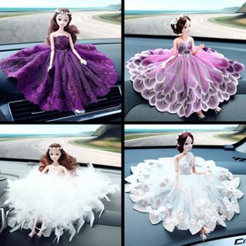Kreatywny piękny ozdoby samochodowe dekoracje do wnętrz samochodów ślubne dla kobiet lalki z kreskówek ręcznie robione ozdoby prezenty akcesoria do zabawek tanie i dobre opinie Żywica 140G