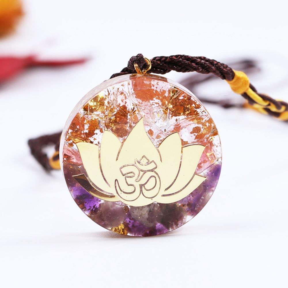 Ожерелье из эпоксидной смолы с подвеской в виде аметистина