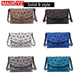 Image 3 - 여성을위한 MAGICYZ Crossbody 가방 2020 패션 레이저 기하학적 빛나는 여성 핸드백 지갑 클러치 디자이너 브랜드 어깨 가방