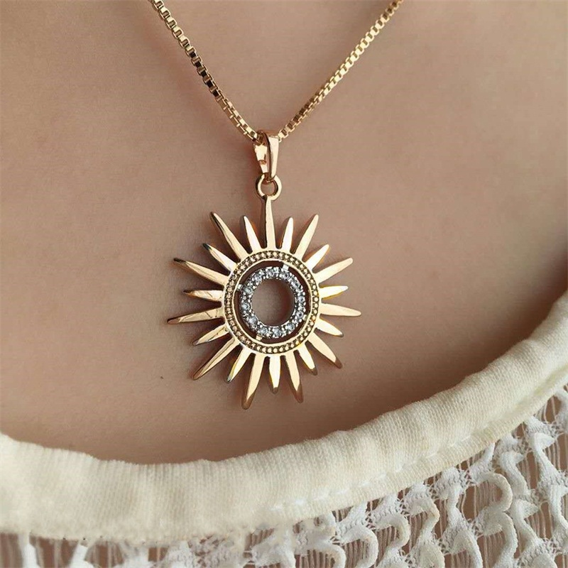 1Pcs Women Necklaces Simple Golden Sun Flower Crystal Pendant Necklace Fashion Party Charm Clavicle Chain Jewelry Gift