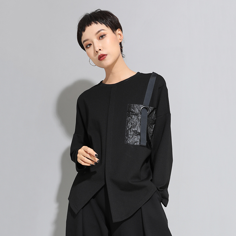 [EAM] Women Black Buckle Stitch Big Size Asymmetrical T-shirt New Round Neck Long Sleeve Fashion Tide  Spring Autumn 20211D679