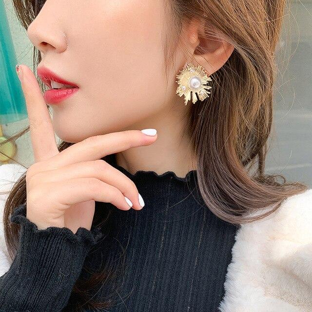 Фото женские серьги гвоздики с золотым жемчугом chyvenee винтажные цена