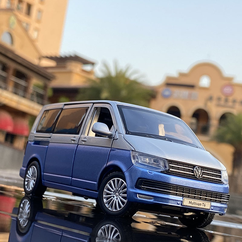 1:32 Zinc Alloy Bus Volkswagens Multivan T6 Alloy Car Model Diecasts MPV Car Model Sound and Light Simulation Childrens Toy Gift 3