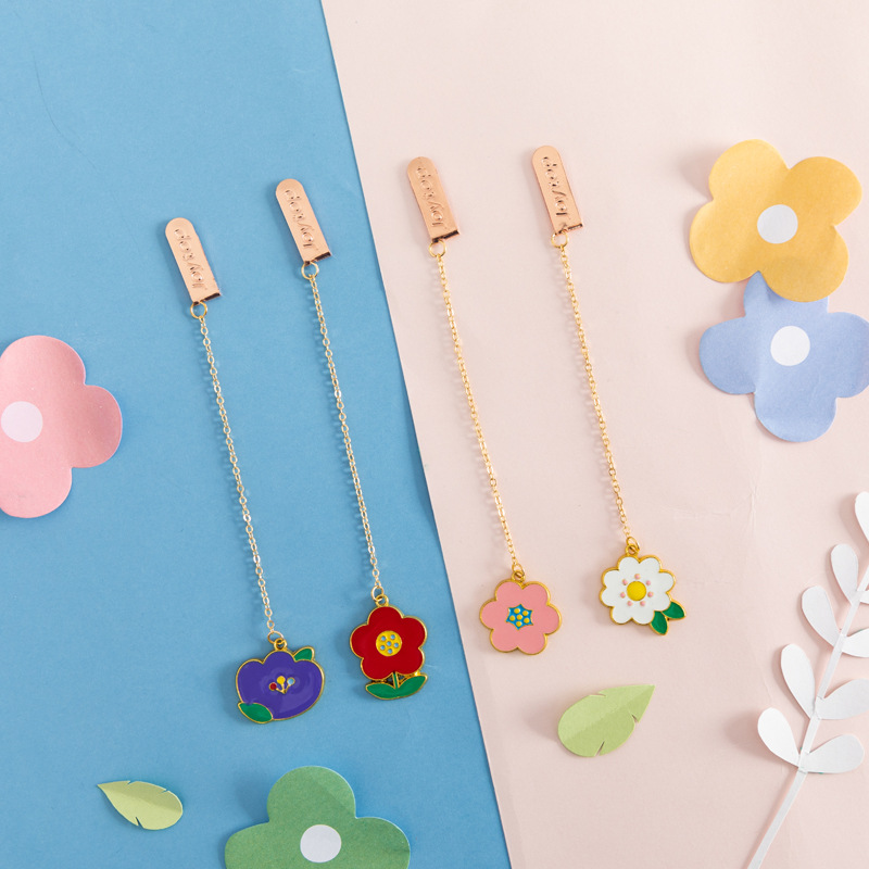 4 Pcs/Set Candy Color Flowers Pendant Metal Bookmarks Creative DIY Book Markers Page Holder Stationery