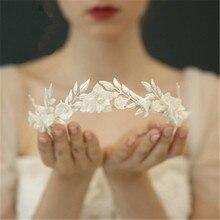 Eleganckie europejskie wesele z pałąkiem na głowę dla panny młodej Handmade tiary ślubne akcesoria ślubne biżuteria Party Grace korony dla panny młodej