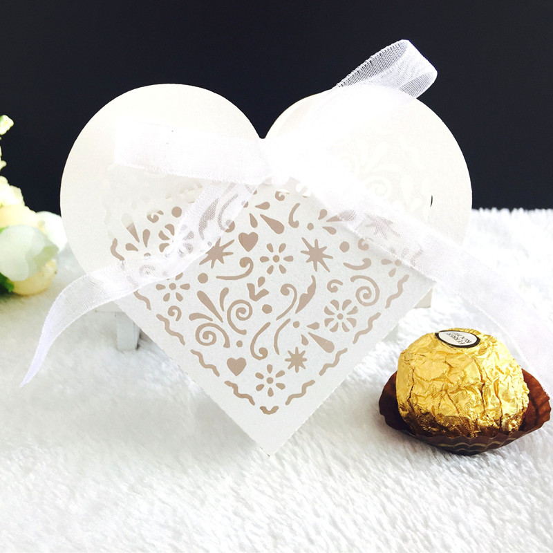 50pcs Sweet Gift Box Hollow Love Heart Candy Dragee Flower Box Wedding Party Gift Bags Packaging Chocolate Warpping Paper Bags